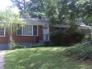 2552 Plantation Dr., East Point